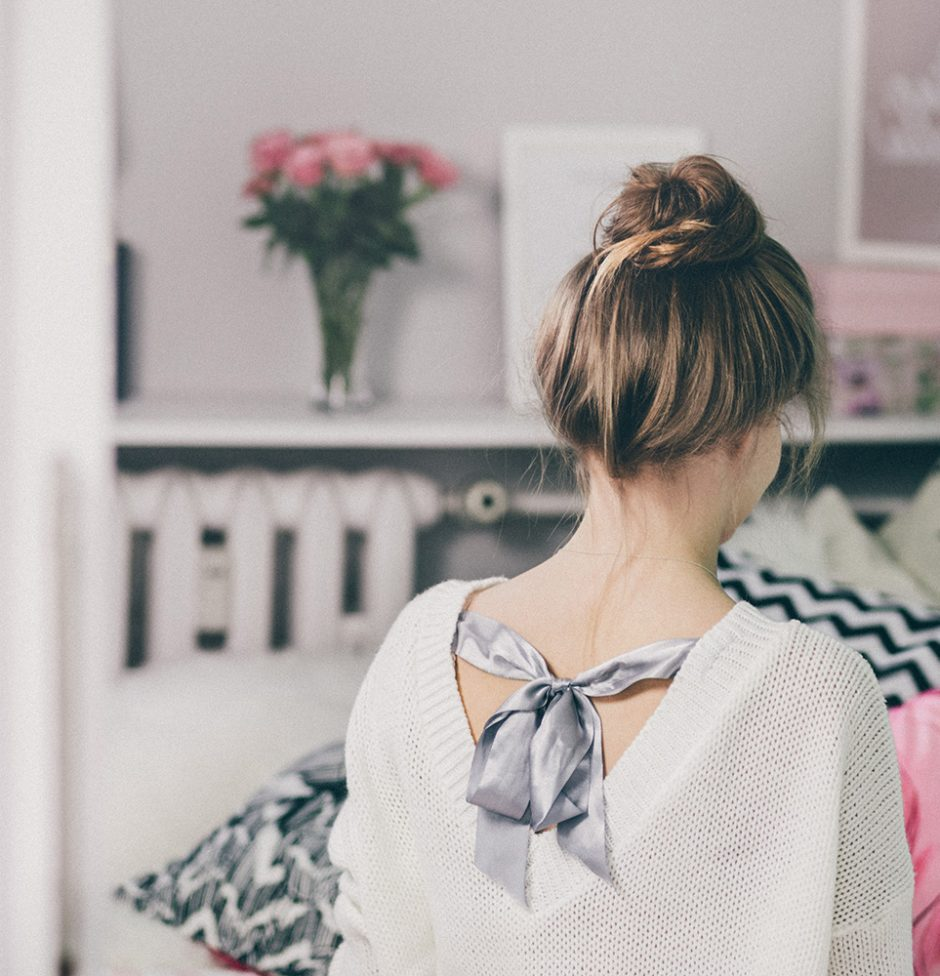 adult-back-view-brunette-fashion-361758.jpg